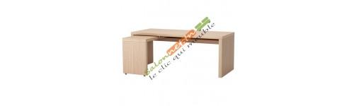 Chaises et tables de bureaux